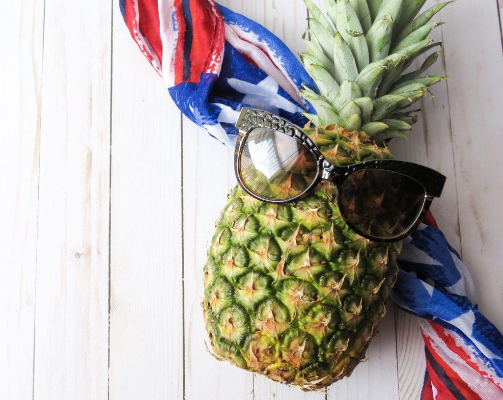 Ananas med solglasögon